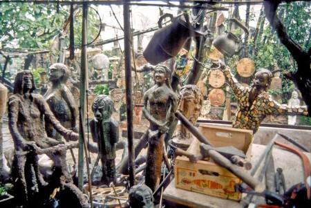 Sculptures de Cammi sur le rio Sasso