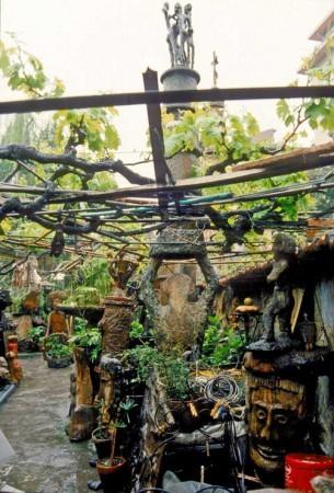 Le jardin, un endroit sous la treille omniprésente