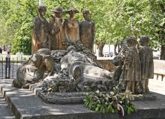 Monument-aux-morts-de-Lodev.jpg