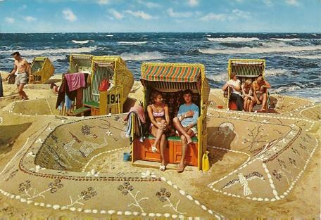 Carte postale, Dunes décorées de coquillages en Allemagne, années 1950-1960, coll. Bruno Montpied.jpg