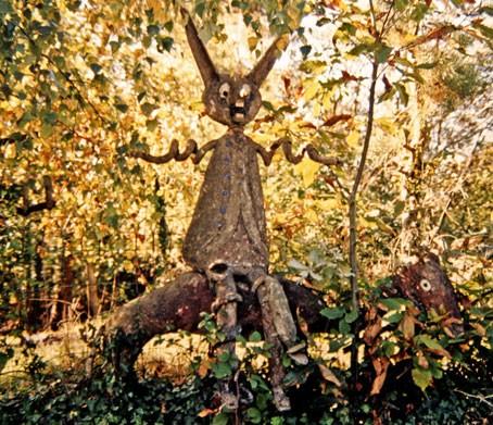 Fernand Châtelain,le lièvre fantastique, en ruine, 2002, ph.B.Montpied.jpg