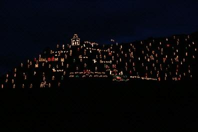 Mario Andreoli, la colline des lumières, photo site web i costruttori de babele.jpg