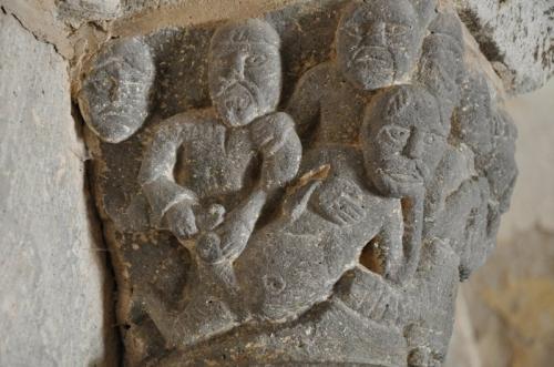 Chapiteaux 3 (le martelage de ventre ptet).JPG