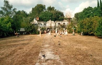 environnements spontanés populaires,roger péridier,villa mystère à castries,hérault insolite,habitants-paysagistes,sculpture naïve,folies aristocratiques