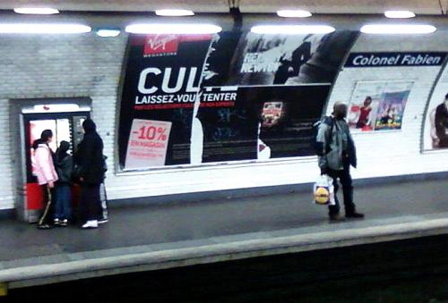 Caviardage sur affiche pub métro, mai 12.jpg