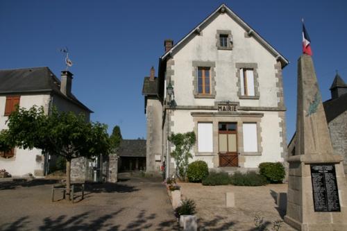 040-bis-Mairie-et-au-fond-l.jpg
