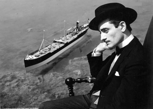 Pierre Etaix dans son film Yoyo (1964).jpg
