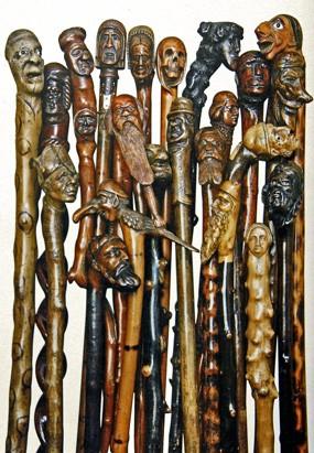 Ensemble de cannes populaires, catalogue de l'exposition sur les cannes sculptées au Louvre des Antiquaires 2008.jpg