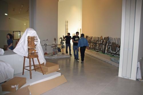 Les salles de la collection d'art brut en cours d'accrochage, juin 2010, ph. Bruno Montpied.jpg