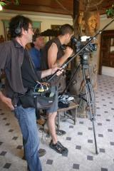 chez André Gourlet, tournage de Bricoleurs de Paradis, juillet 2010, ph.Bruno Montpied.jpg
