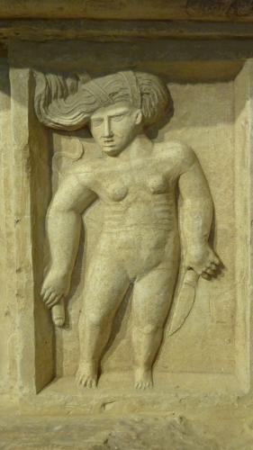 Bas-relief du château de Montal, Quercy, époque Renaissance.JPG
