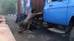 Les anges de la piste, film de Remy Ricordeau, le camion....jpg