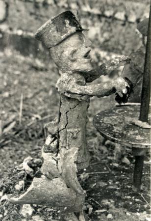 Raymond Guitet, un des mauvais payeurs de la saynète Crédit est mort..., ph.B.Montpied, 1991.jpg