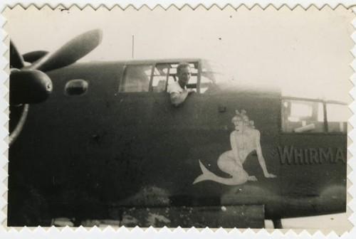 Sirène peinte sur un bombardier américain, années 40 sans doute, vu sur anonymousworks.jpg