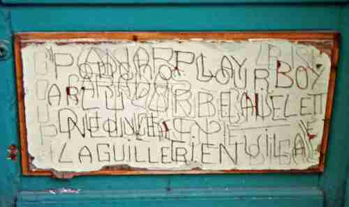 Alain R. graffiti rue des Bons Enfants, Rouen, ph B.Montpied, 2005.jpg