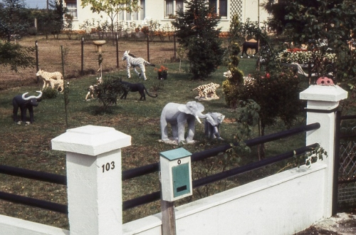 A. Calleja, près du portail, éléphant, etc. ph 91 (2).jpg