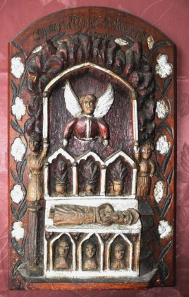 Panneau sculpté Abbé Fouré retrouvé.jpg
