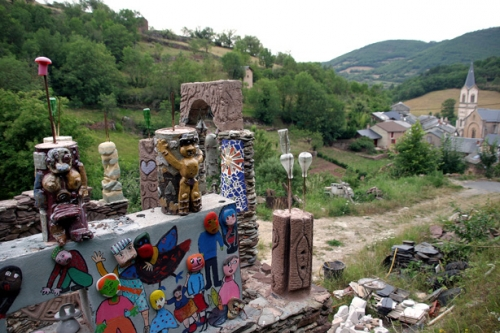 musée des arts buissonniers,art singulier,art brut,jerzy ruszczynski,statues-menhirs