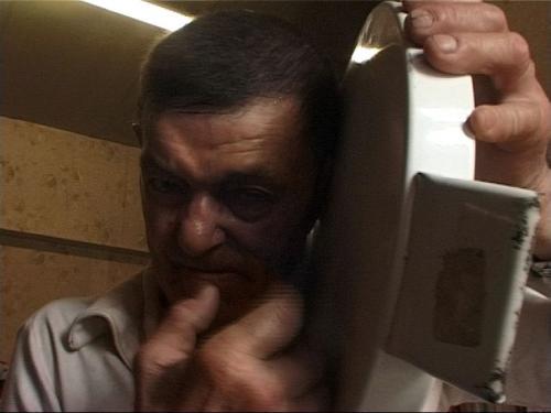 André robillard dans le film de Claude et Clovis Prévost, Visites à André Robillard, 2007.jpg