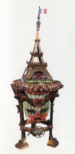 Arsène meuble d'hommage à la Tour Eiffel.jpg