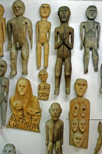 Lui-Buffo,-plusieurs-statue.jpg
