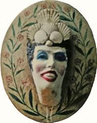 Hippolyte Massé, tête sculptée et peinte et coiffure en coquilles St-Jacques, coll du MASC des Sables d'Olonne, ph B.Montpied, 1996.jpg