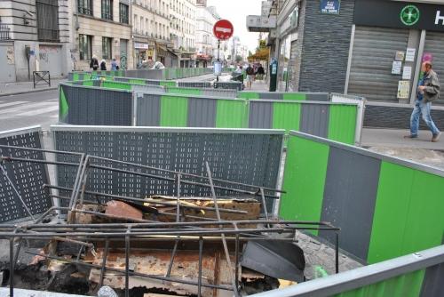 Rue de Clignancourt, barrières de chantiers éternels (2).jpg