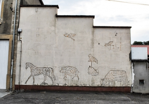 Mur d'animaux en ombres, Nivolas-Vermelle (2).jpg