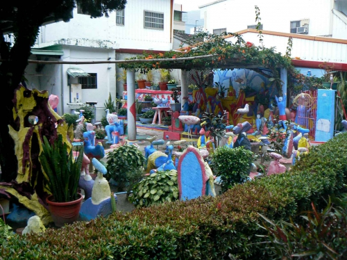 art brut à taïwan,taidong,remy ricordeau,chen kunpiao,environnements spontanés taiwanais,sculptures en ciment,art brut chinois