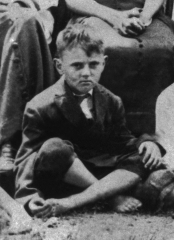 James_Edward Deeds-Age_7_1915.jpg