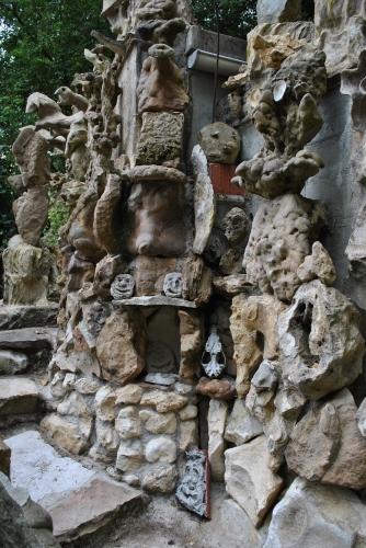 Restes de ciment dans les interstices des Rocamberlus (2).jpg