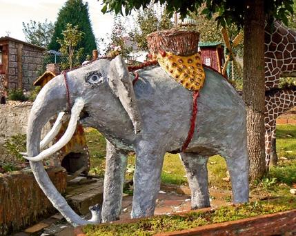 André Hardy,un éléphant dans son jardin, 2008, ph.Remy Ricordeau.jpg