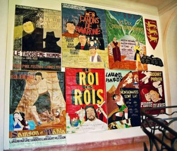 Guy Brunet, affiches de cinéma exposée au Musée d'art naïf de Nice dans le cadre des 7èmes Rencontres autour de l'Art singulier en 2005.jpg