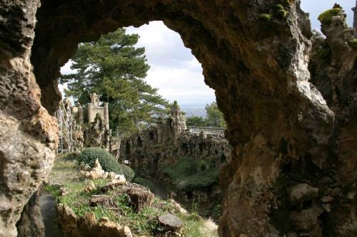 émile damidot,jardin de rocailles de l'ermitage du mont-cindre,saint-cyr au mont d'or,rocailleurs,environnements spontanés,bruno montpied