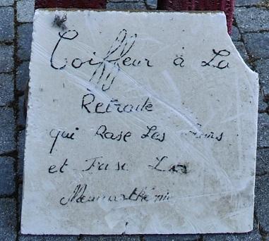 Marcel Vinsard, panneau avec inscription, coiffeur qui rase les murs (2)....jpg