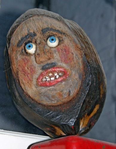 noix de coco sculptées,art modeste,art populaire contemporain,fu manchu,jean-louis clément