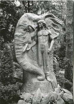 Tombe de dompteur-dresseur, (2) cim Méza Kapi, Riga, ph André Chabot.jpg