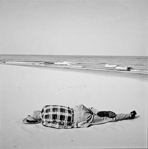 Vivian-Maier,-homme-couche-.jpg