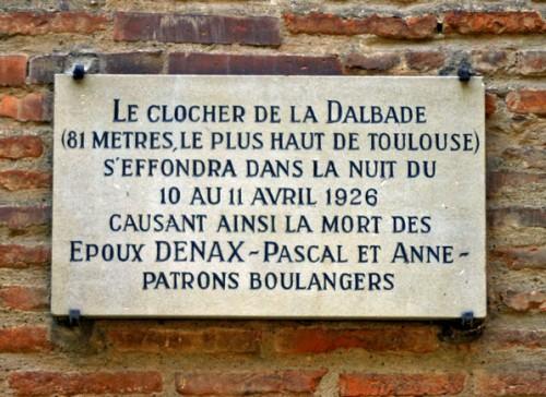 Le clocher de la Dalbade s'effondra..., oh B.Montpied, 2008, Toulouse.jpg