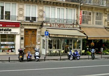 le tabac la Fourmi sans son alter ego la Cigale, photo Bruno Montpied, 2008 .jpg