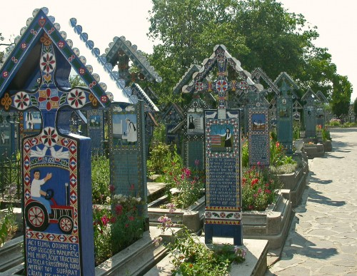 Cimetière de Sapinta, photo Association Geppetto,2008.jpg