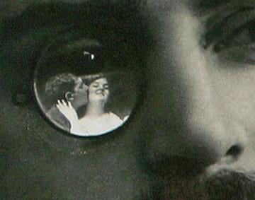 Détail d'une des cartes postales figurant sur le catalogue de La Photographie Timbrée.jpg