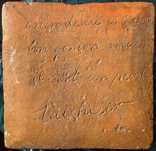 Anonyme (2), carreau de potier avec inscription (laicheur et licheur...).jpg