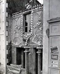 Hippolyte Massé,la maison à la sirène, ph. Gilles Ehrmann in Les Inspirés et leurs demeures, 1962.jpg