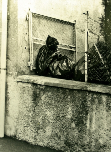 Sieste de la sorcière, ph. Bruno Montpied, 1988.jpg