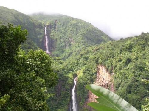 Les Chutes du Carbet sur l'Ile de Basse-Terre, Guadeloupe.jpg