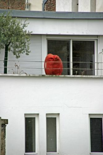 La-chose-rouge,-cour-rue-Ra.jpg