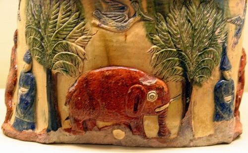 Eléphant (2), décor de Guimonneau,vase aux chinois, la reine bérengère.jpg