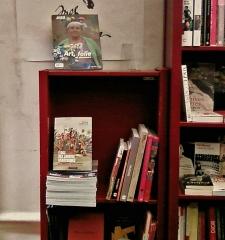 L'Eloge  dans la librairie L'Ecume des pages, avril 2011