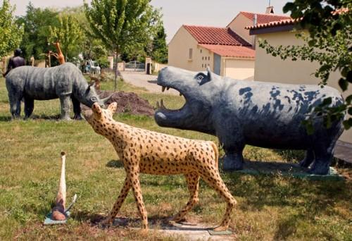 Roger Lemière,Rhinocéros,hyène,hippopotame, etc, ph.B.Montpied.jpg